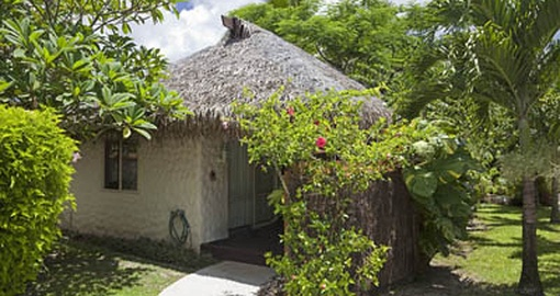 Enjoy a dinner at a family home with local hosts on your Cook Islands Vacation