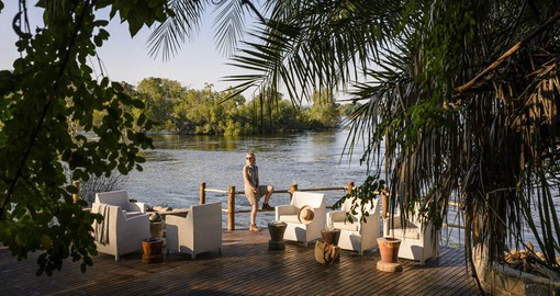 Sussi & Chuma is built on a dramatic bend of the Zambezi River in the Mosi-Oa-Tunya National Park