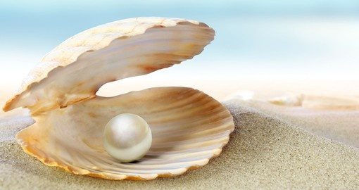 Visit the Pearl Museum in Papeete