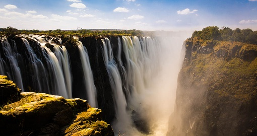 Enjoy a trip to Spectacular Victoria Falls on your Zimbabwe vacation
