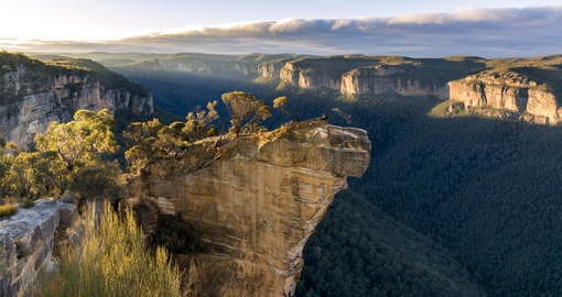 Hanging RockLookout in the Blue Mountains