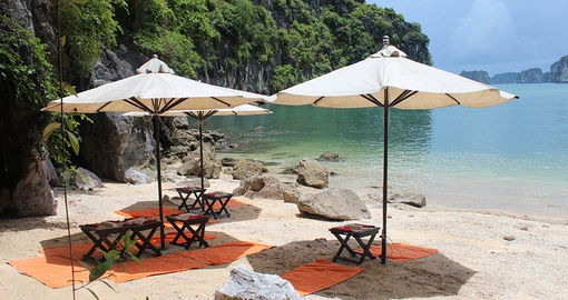 Enjoy picnic on the Beach during your next Vietnam vacations.