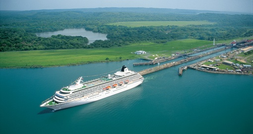 Cruise on the Panama Canal on your trip to Panama