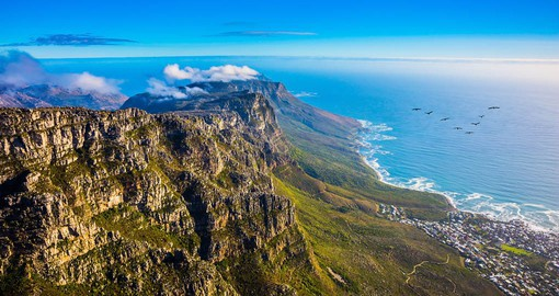Table Mountain offers dramatic views of the Cape Peninsula