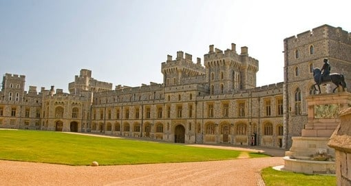 Experience the Windsor Castle on your next England vacations.