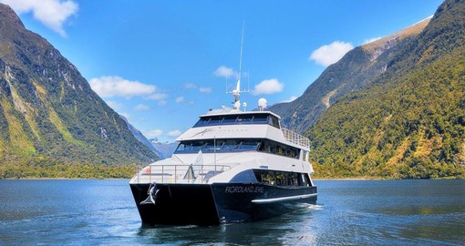 Cruise on the Fiordland Jewel on your New Zealand Tour