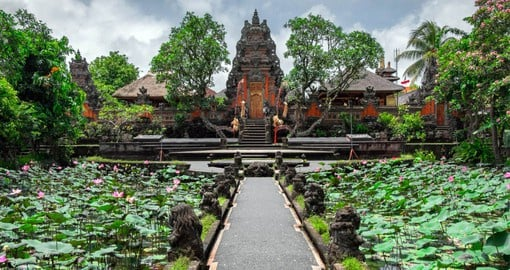 Visit Ubud and experience traditional Balinese culture