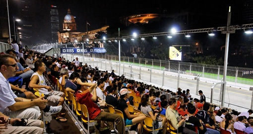 World's First F1 Grand Prix at Night