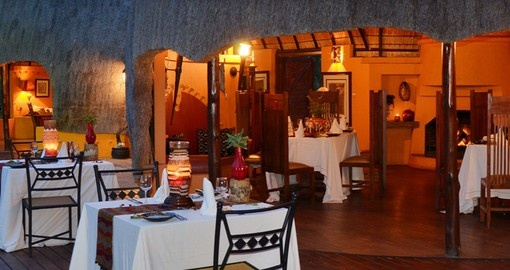 Dine at the Hoyo Hoyo Safari Lodge during your South Africa tour.