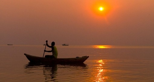 Fisherman on Lake Malawi - a great photo opportunity while on your Malawi vacation.