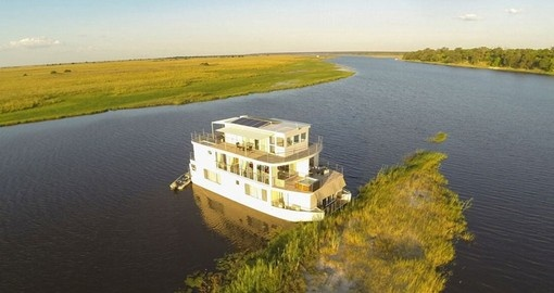Your Botswana safaris & cruise along the Chobe River is a whole new experience.