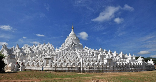 Visit stunning Pagodas on your Myanmar Tour