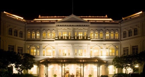 Visit the Raffles Hotel during your Singapore vacation.