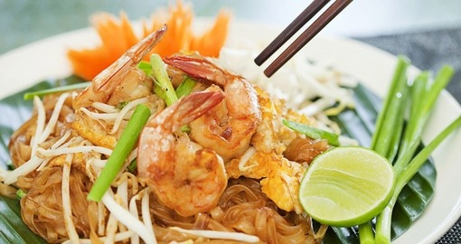 Pad Thai with fresh shrimp and lime