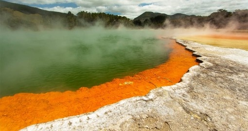 Visit the geothermal wonderland of Rotoura on your New Zealand Vacation Package
