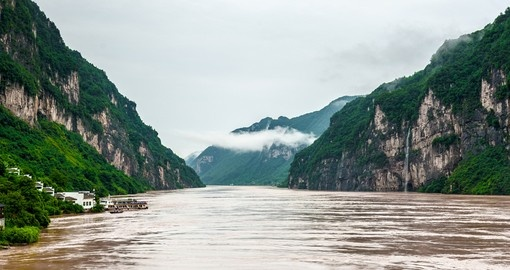 Enjoy dramatic landscapes on your trip to China