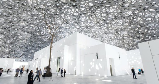 Experience the Louvre Abu Dhabi during your Dubai Vacation