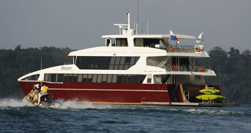 The M/V Discovery is your home on your next Panama vacations