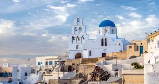 Explore the beauty of Santorini on your European Vacation