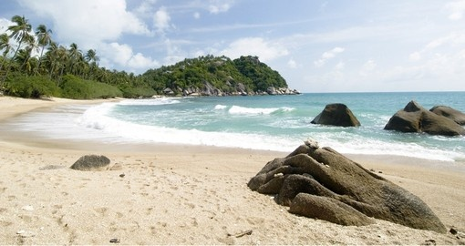 A typical beach on Koh Pha Ngan island and therefore a great choice for a Thailand vacation.