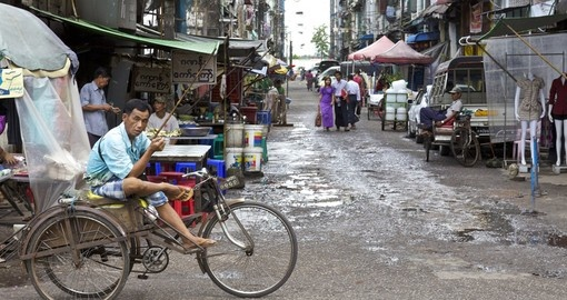 Street vendors in downtown Yangon