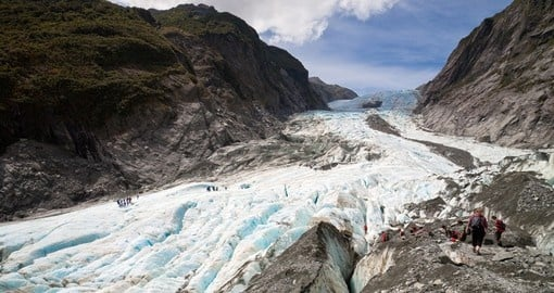 Spectacular Franz Josef Glacier on New Zealands West Coast is a great photo opportunity while on your New Zealand vacation.