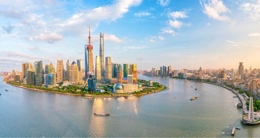 Renown for it's rich architectural heritage, Shanghai is home to a thriving arts and cuisine scene