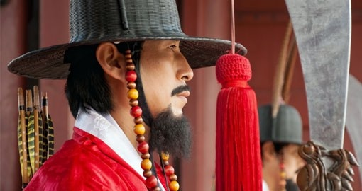 Korean guard at Gyeongbokgung Palace are a popular photo opportunity during your Korea vacation.
