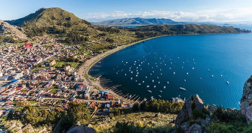 Enjoy the natural beauty of Lake Titicaca on your Boliva Tour