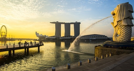 Visit the Merlion, a landmark of Singapore during your vacation.