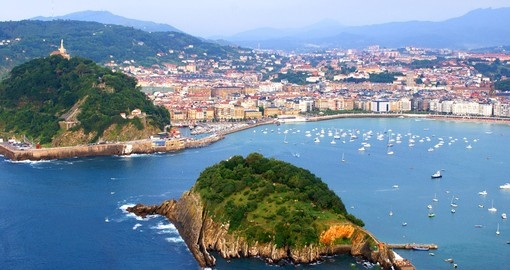 Breathtaking view of the Concha gulf in the city of San Sebastian