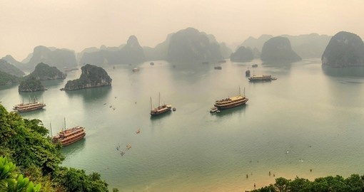 Admire beautiful Halong Bay on your Vietnam Tour