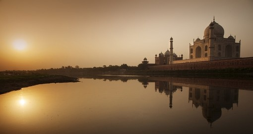 The stunning Taj Mahal at sun rise is a memorable part of you trip to india