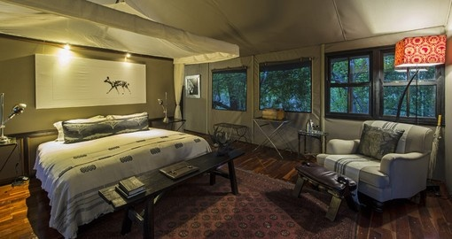 Experience all the amenities of the Chitabe Camp during your next Botswana vacations.