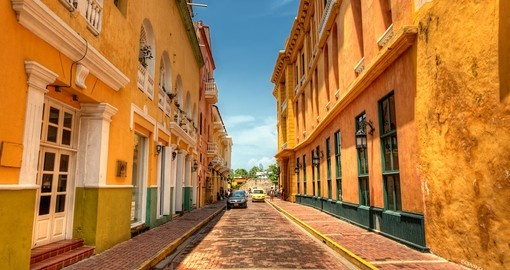 Stroll the colourful streets of Cartagena on your Colombia Vacation