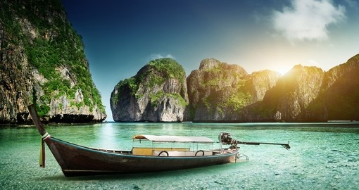 There are six islands in the group known as Phi Phi