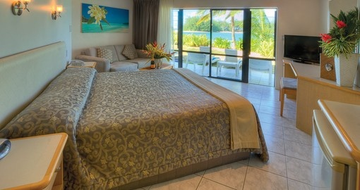 Explore beauty and comfort of the Muri Beach Club Hotel during your next Cook Island vacations.