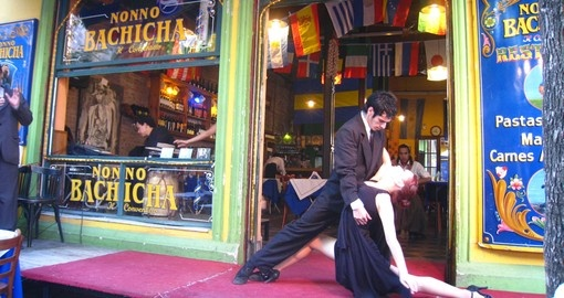 Watch Street Tango in  Buenos Aires on your Argentina Tour