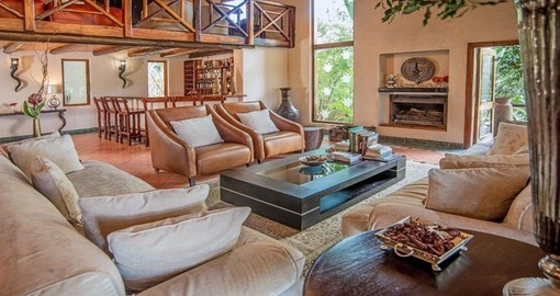 Enjoy all the amenities of the Kuname River Lodge during your next South Africa vacations.