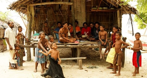 Meet locals and experience their wonderful culture during your next Papua New Guinea vacations.