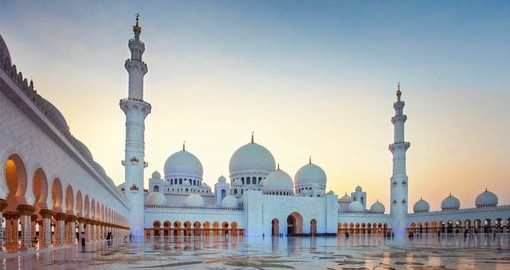 Visit the Sheikh Zayed Grand Mosque on your  Abu Dhabi vacation package
