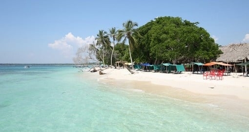Relax on the Rosario Islands on your Colombia Tour