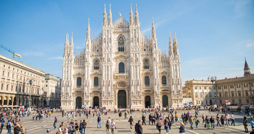 Walk in the footsteps of the famed artist Leonardo Da Vinci in front of the Duomo Di Milano on your Italy Vacation.