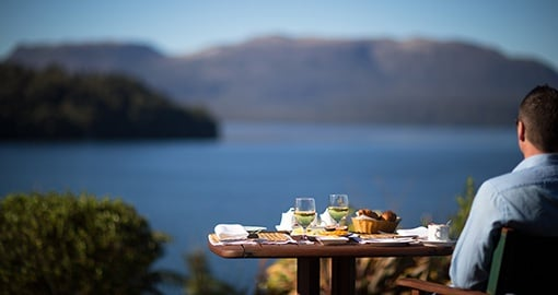 Enjoy Fine Dining Outdoors at Solitaire Lodge, Rotorua