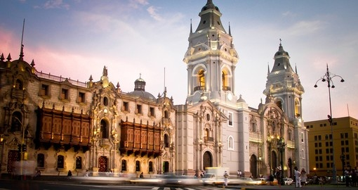 Visit the Plaza de Armas in Lima on your Peru Tour