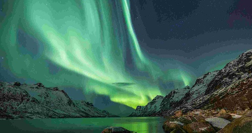 Enjoy the beauty of the Northern Lights on your Iceland vacation