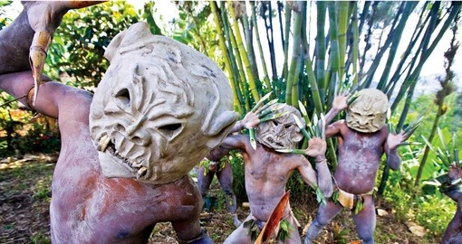 Hulu mudmen - always a popular inclusion on all Papua New Guinea tours.