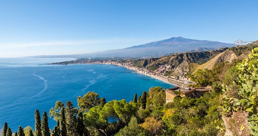 Enjoy the stunning coastline of Sicily on your Italy vacation