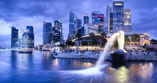 The Merlion fountain and Singapore skyline - two highlights of all Singapore tours.