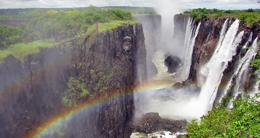Experience the amazing view of the Falls during your next Zimbabwe vacations.